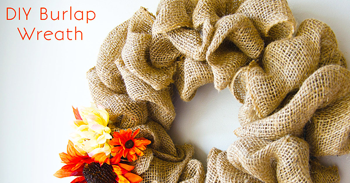 I've seen these burlap wreaths everyone and I always thought they must be so hard to make. But thanks to Linda at Craftaholics Anonymous and her 15 minute ...