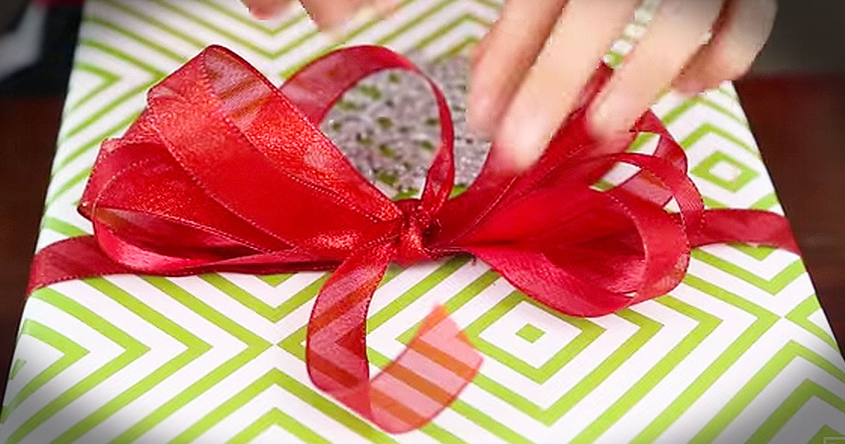 How To Make A Department Store Gift Bow