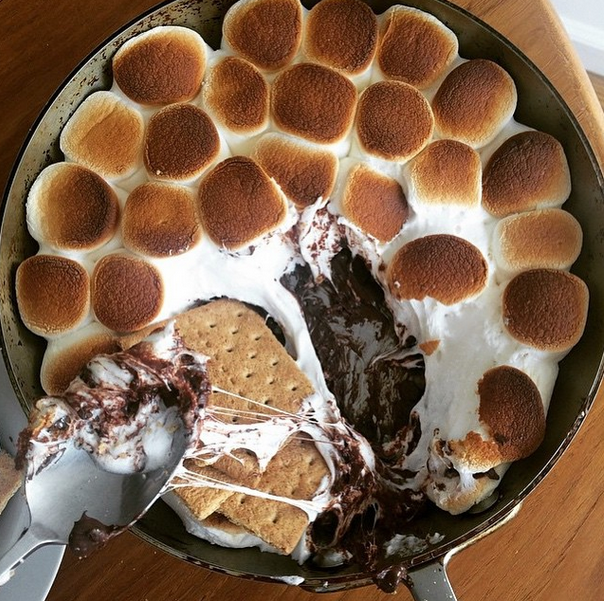 S'mores Dip - Easy Skillet Oven Baked Recipe