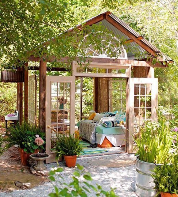 She sheds for woman only oasis private space for Tiny garden rooms