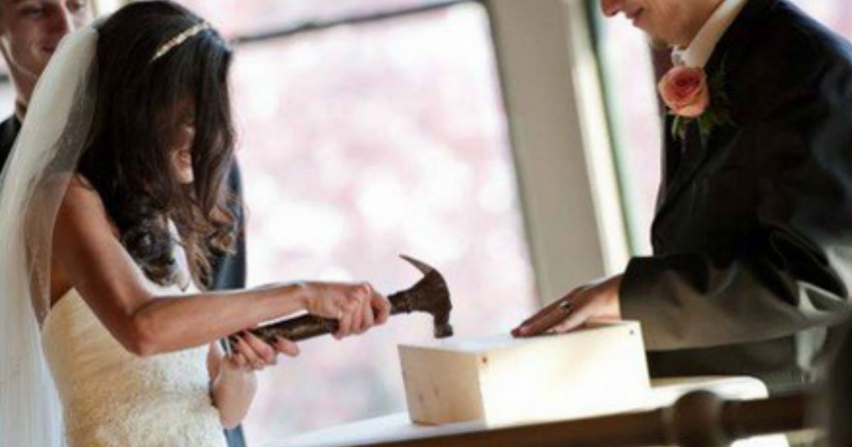 Cool Wedding Gifts For Young Couples: First Fight Box Wedding Gift DIY For Young Newlyweds