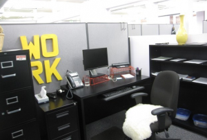 jm-allcreated-decorate-your-cubicle-office-space-25