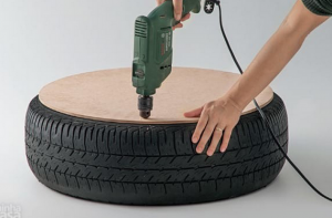 jm-allcreated-DIY-tire-into-rope-ottoman-3