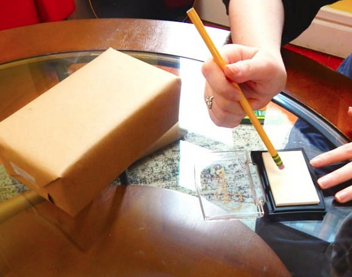 jm-allcreated-wrapping-paper-decor-DIY-hack-pencil-eraser-2