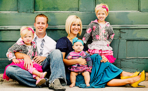 jm-allcreated-family-photo-poses-ideas-2