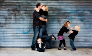 jm-allcreated-family-photo-poses-ideas-7