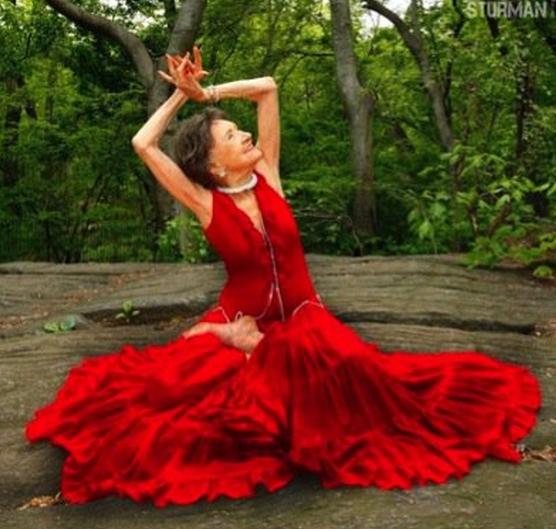 jm-allcreated-97-year-old-woman-yoga-dance-6