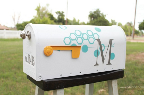 jm-allcreated-mailbox-makeover-DIY-2