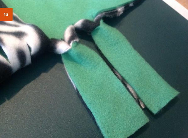 jm-allcreated-no-sew-fleece-blankets-DIY-instructions-14