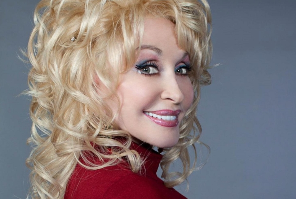 jm-allcreated-dolly-parton-bedroom-house-decor-1