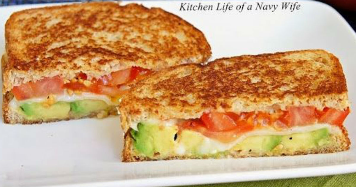 Mozzarella Grilled Cheese With Avocado And Tomato. The Perfect Combo For Fall!