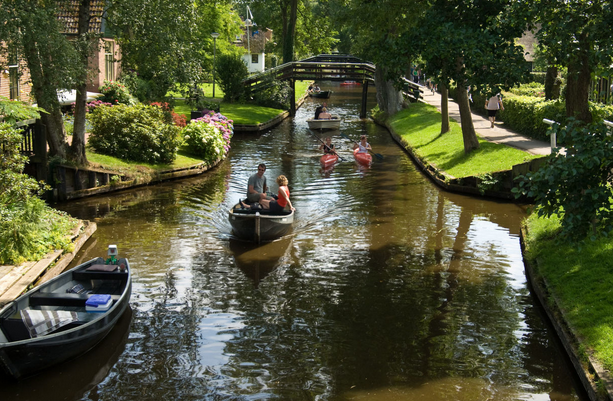 jm-allcreated-town-holland-streets-water-3
