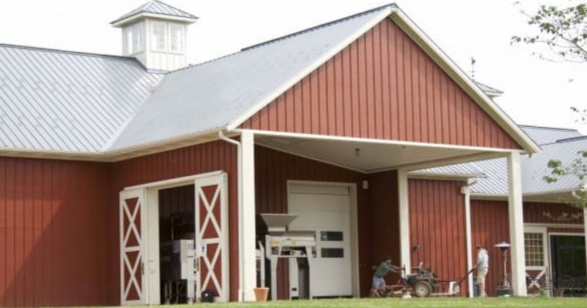 Warehouse homes look like cabins for Morton building cabin