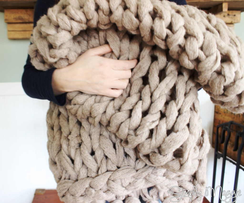 knit blanket on arm DIY video tutorial