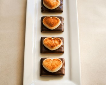 S'mores valentines - AllCreated