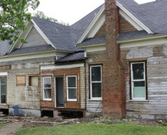 fixer-upper-farmhouse-before - AllCreated