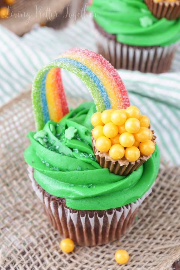 St Patrick S Day Pot Of Gold Cupcakes All Created