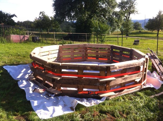 All Created - pallet swimming pool