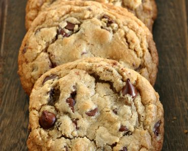 Giant Gluten Free Chocolate Chip Cookie