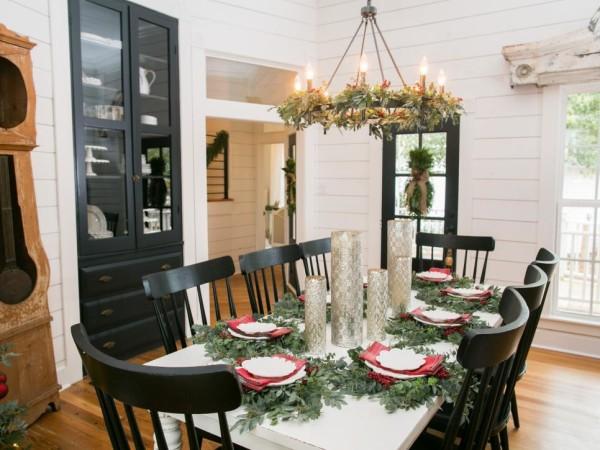 Joanna Gaines Farmhouse Christmas Decor Is Cheery And