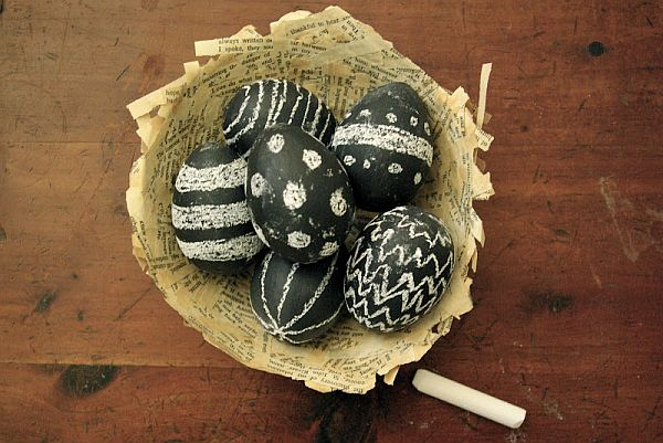 13 Cute And Thrifty DIY Easter Crafts For Your Home _ chalkboard eggs _ all created