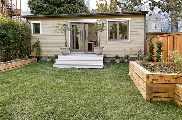 12 amazing granny pod ideas that are perfect for the backyard for Prefab in law cottages