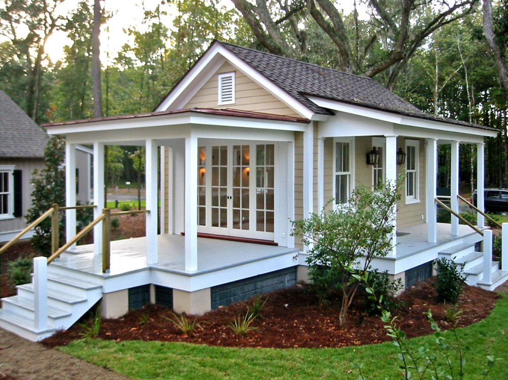 12 Surprising Granny Pod Ideas for the Backyard_ Granny Cottage porches_allcreated