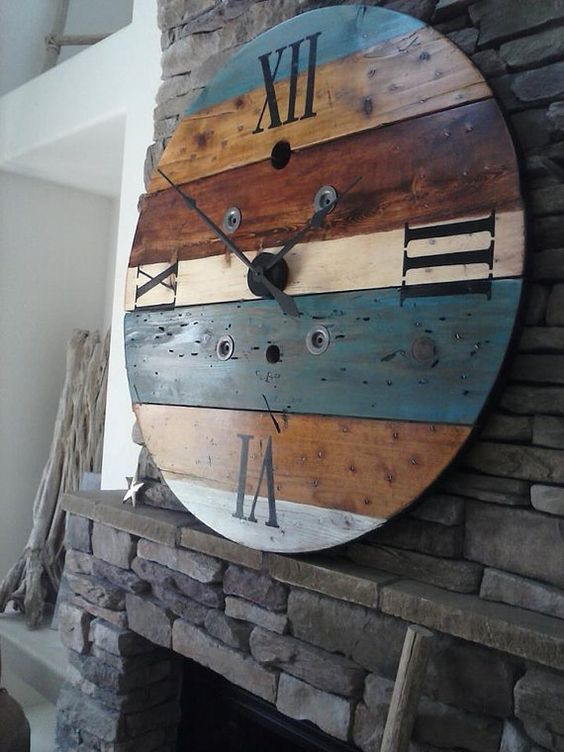 upcycled wooden cable spools_clock_allcreated