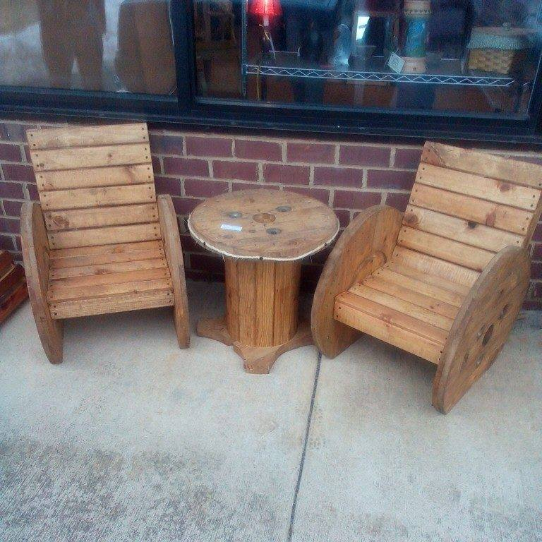 upcycled wooden cable spools _ adirondack chairs_allcreated