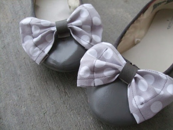 12 DIY to Make Your Beat-up Shoes Look Cool Again _ Bows _ all created