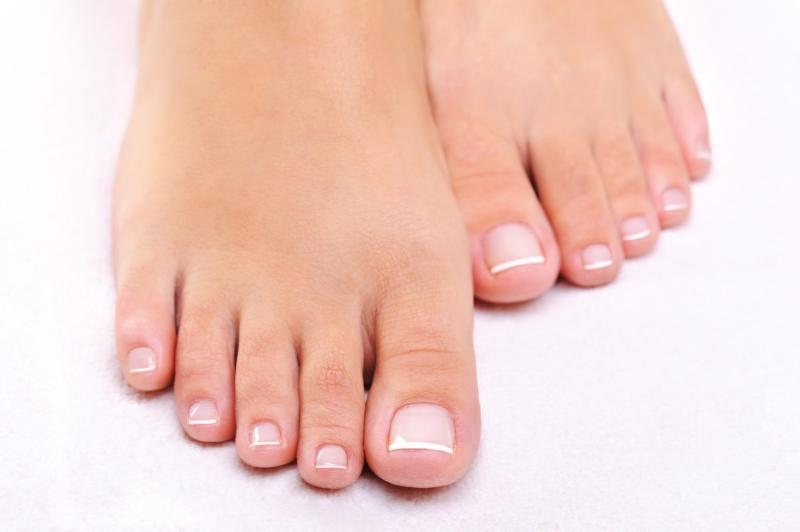 11 Surprising Ways VapoRub Can Cure What Ails You _ toe fungus _ all created