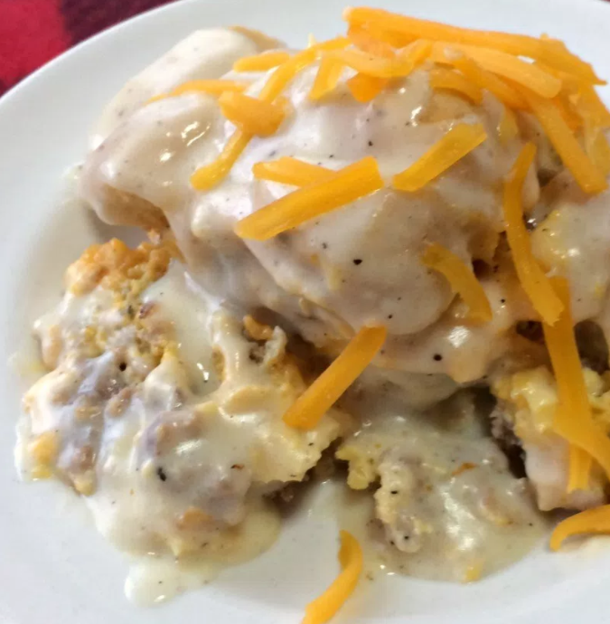 allcreated - crockpot biscuits and gravy