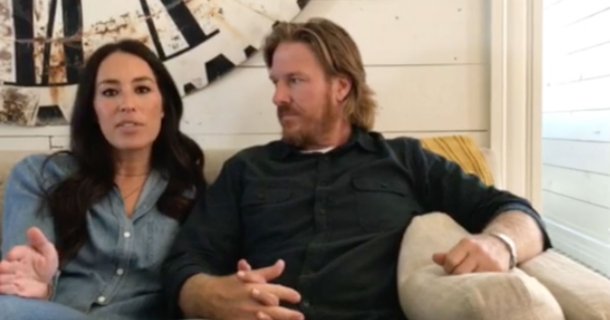 chip and joanna announce the final season of fixer upper. Black Bedroom Furniture Sets. Home Design Ideas