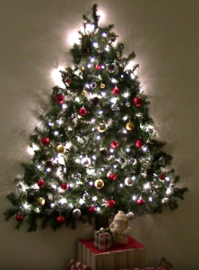 allcreated - wall mounted christmas tree
